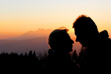 Photo-of-Couple-In-front-of-sunset